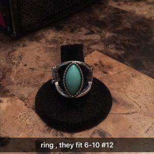 Jewelry - very beautiful paparazzi ring
